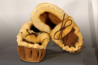 Moccasin_Slipper_4bccb55ef1aac5